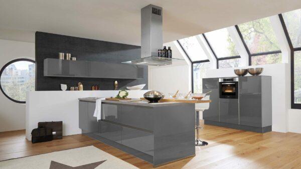 Culineo Küche mit MIELE Einbaugeräten und Siemens Haube